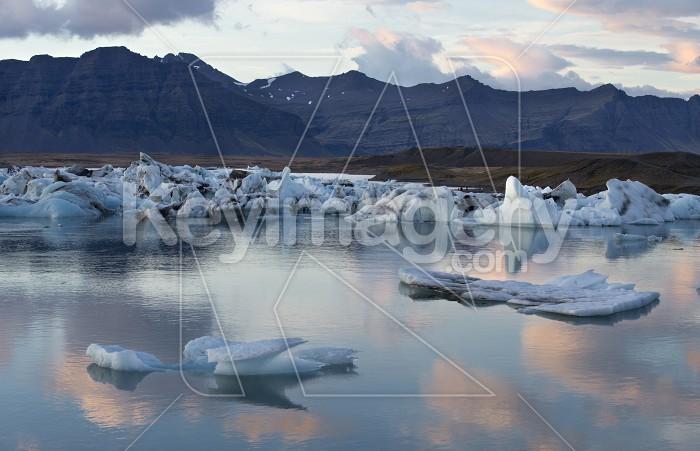 Floating Icebergs in Jokulsarlon Glacier Lagoon Iceland Photo #57133