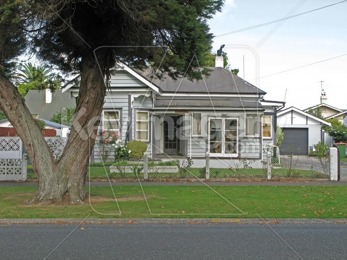 A New Zealand suburban house Photo #565