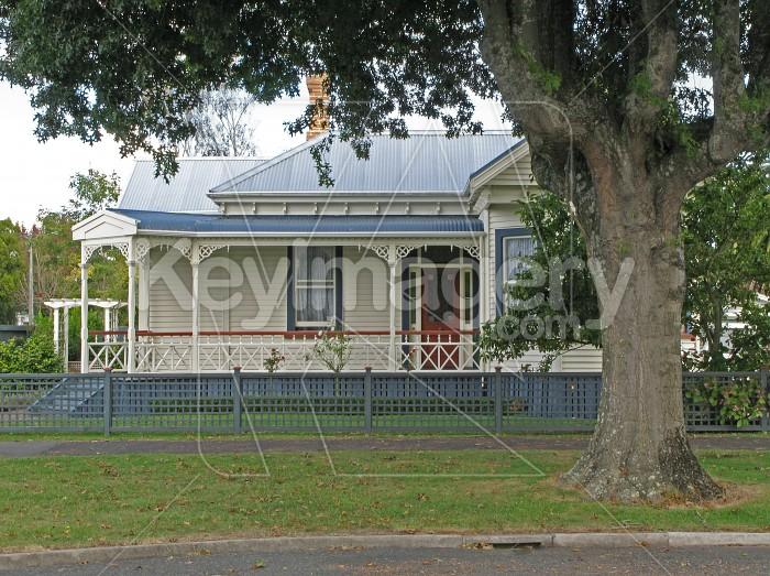 A New Zealand suburban house Photo #570