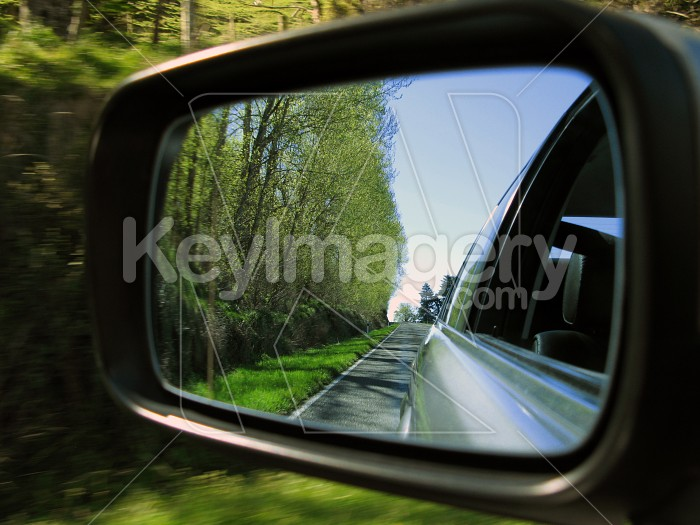 Country scene in the side mirror Photo #4954