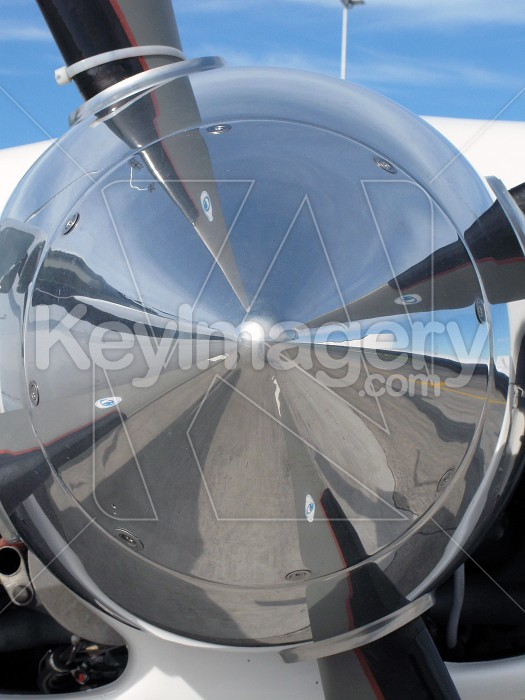 Engine and propeller blades Photo #4178