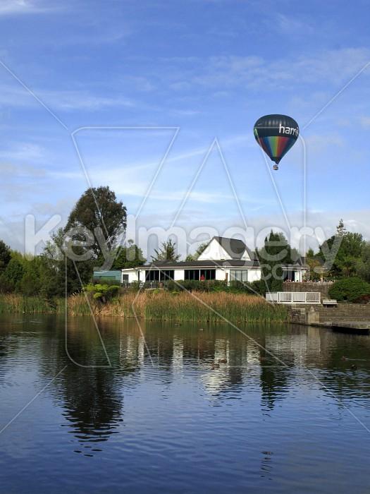 Hamilton Balloon over Lake Photo #1458