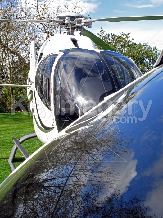 Helicopter and window reflection Photo #4287