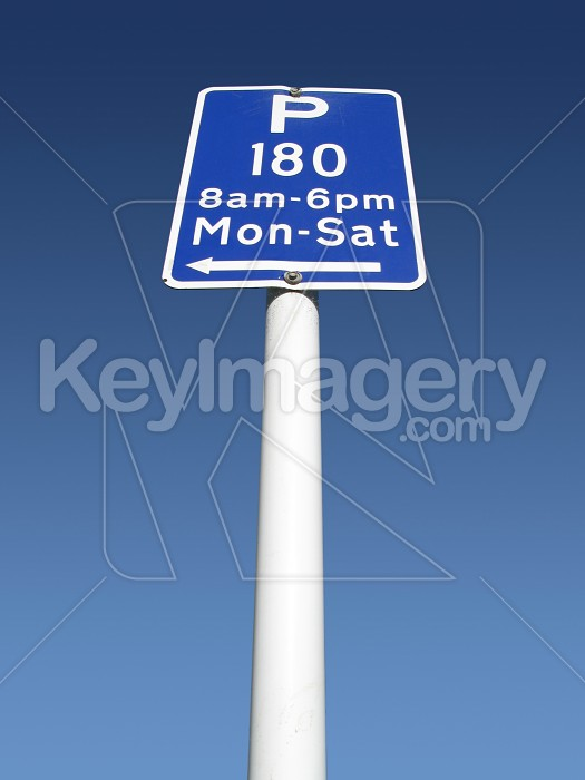 Parking limit sign in perspective Photo #1989