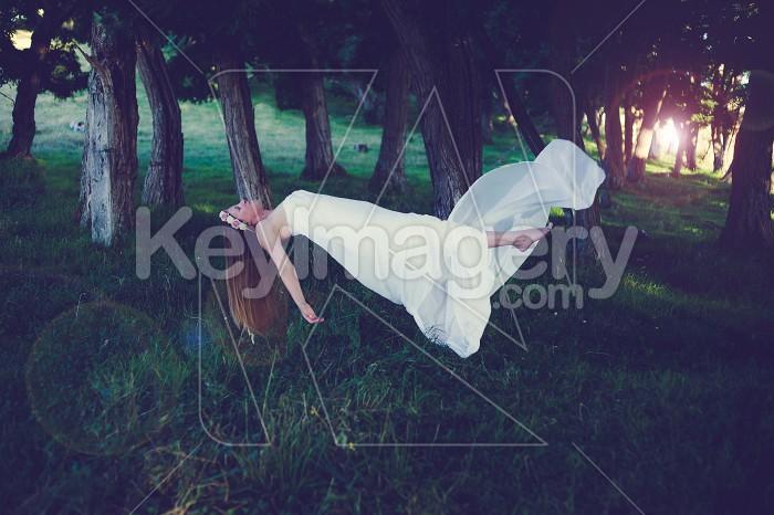 Floating lady Photo #55065