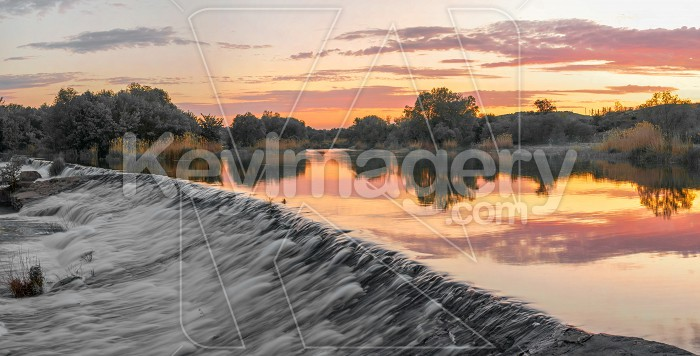 Beautiful view of the dam on the river at sunset Photo #62622