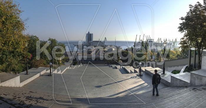 Odessa seaside boulevard in the autumn morning Photo #60979