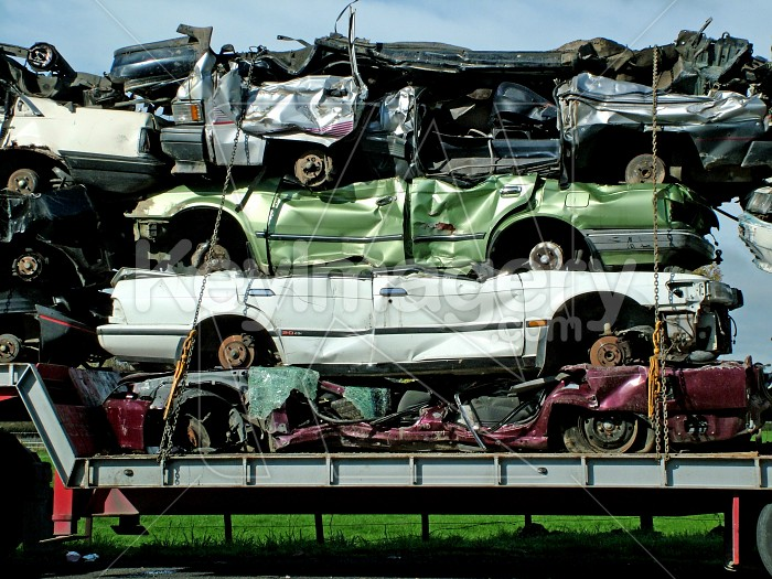 crushed cars on truck Photo #1510