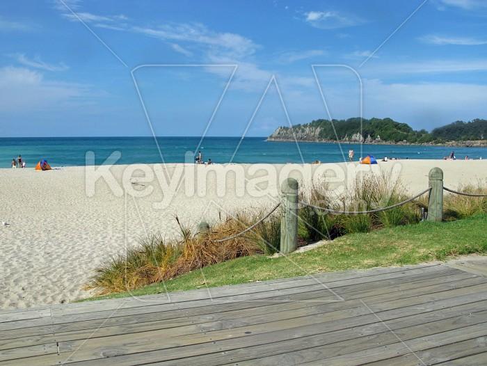 Deserted beach Photo #7622