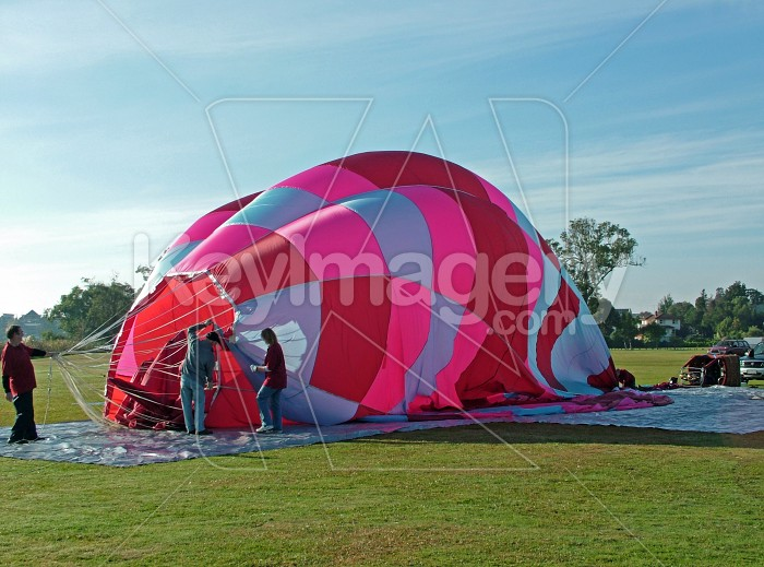 hot air balloon nearly down Photo #1019