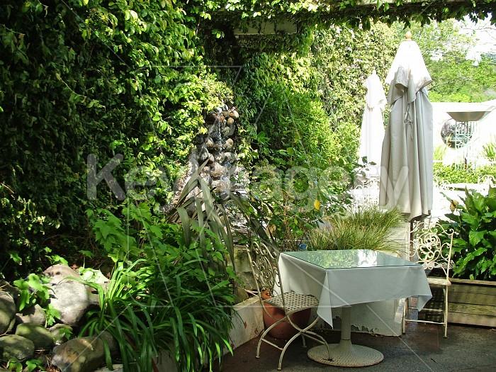 Italian courtyard Photo #4635