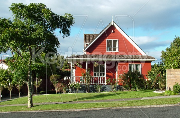 Red house Photo #845