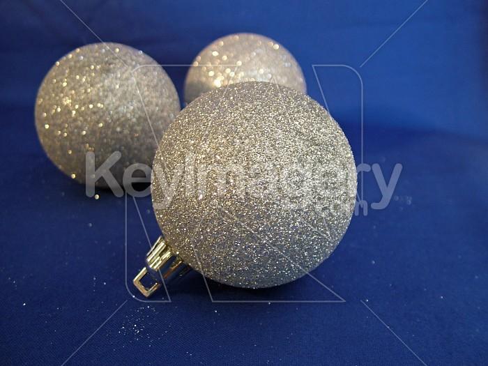 three glitter silver balls Photo #4588