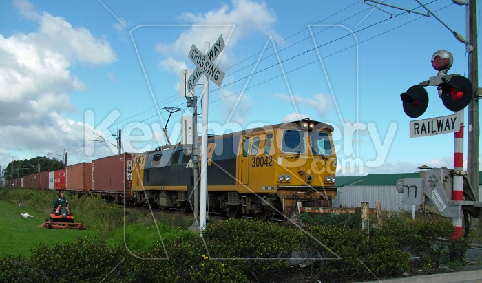 Train at railway crossing Photo #885