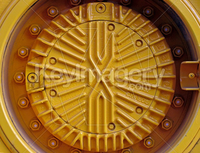 yellow hub cap Photo #1442