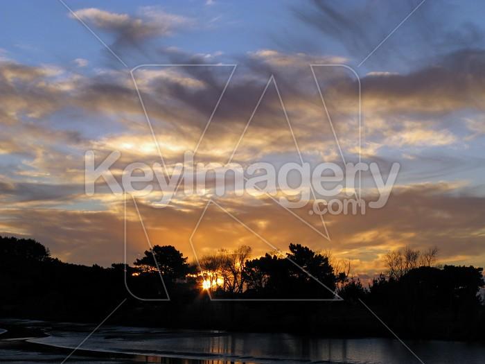 Centred peeping sun Photo #12054
