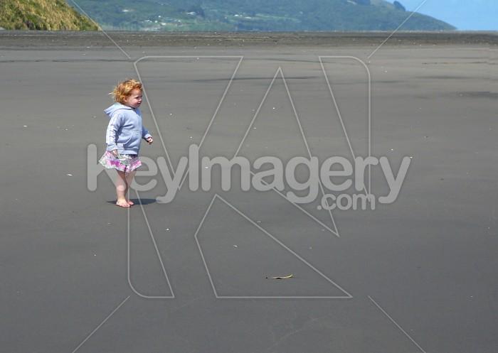 Child on a beach Photo #6050