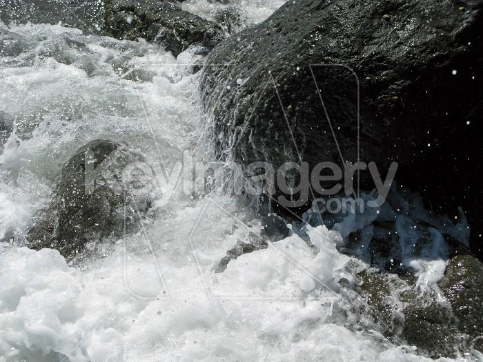 Crashing on rocks Photo #6960
