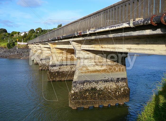 Exposed bridge structures Photo #961