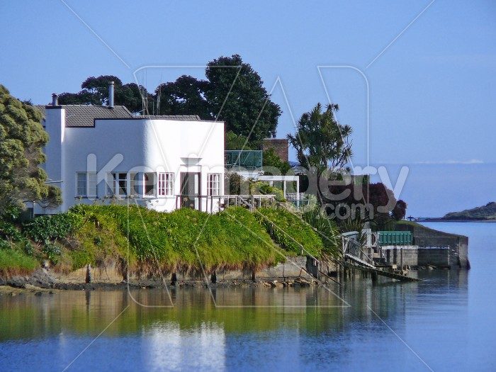 house on waterfront Photo #1531