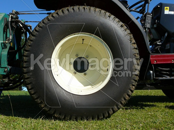 Lawn mower tyre Photo #1040
