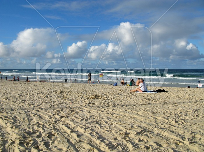 Surfers Paradise white sands and blue sea Photo #12426